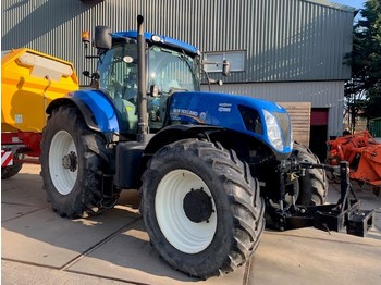 Колёсный трактор New Holland T7.220